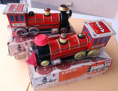 2 grosse alte Blech Wild West Lokomotiven Batteriebetrieb CHINA ME 684 mit Box