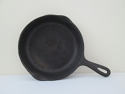 Vintage Wagner Ware skillet 8 inch cast iron round antique kitchen camping black