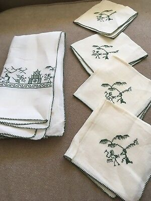 Vintage Green/Cream Embroidered Linen  Card Tablecloth  & 4 Napkin Set