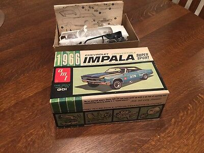 Wow! 1966 Chevrolet Impala convertible AMT 1/25th scale model Kit With Box