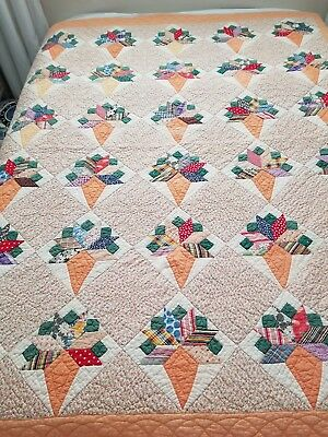 Vintage Hand Pieced Stitched Floral Spray Quilt Peach Green 62 X 76