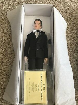 Twilight Saga Twilight Edward Tonner Doll