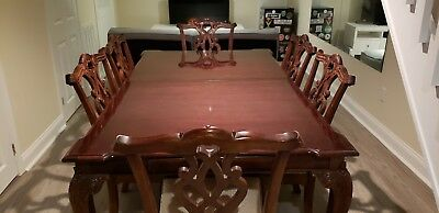 Stanley Stoneleigh Mahogany Dining Room Table and Chairs