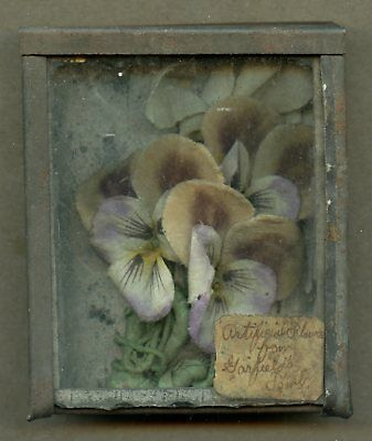 Interesting 19th Century Tin Box Containing Artificial Flowers Garfield's Tomb!