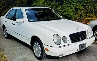 1999 Mercedes-Benz E-Class E320 79,402 miles*White and Tan 1999 Meredes-Benz E-320*Runs Great*Looks Great! CLEAN