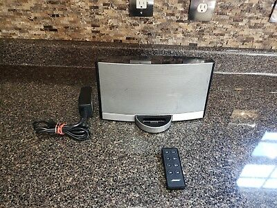 BOSE SOUNDDOCK PORTABLE Digital Music System For 30 Pin iPOD