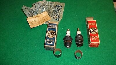 ~Vintage lot~ 2 CHAMPION SPARK PLUGS with Box + papers Size C-4 & O-COM Unused
