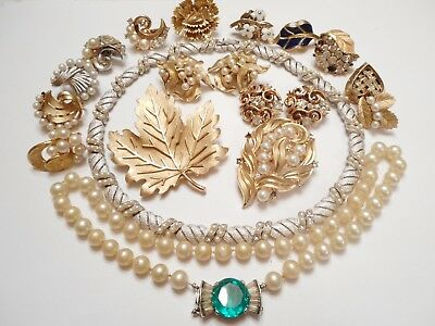 17 PIECES of Vintage TRIFARI JEWELRY = Repair LOT Earrings Pin Necklace & MORE