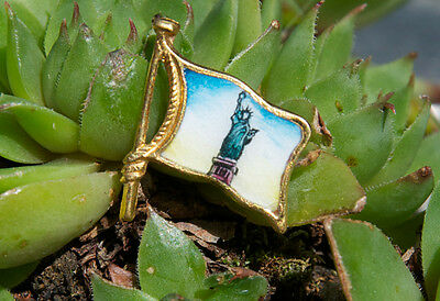 Very Nice Vintage Enamel Pin / Button # Statue Of Liberty New York America
