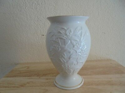 Vintage Lenox Lily Porcelain Cream Flower Vase With Gold Trim