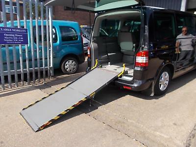 Wheelchair Accessible Volkswagen Caravelle 2.5TDI 174PS Executive