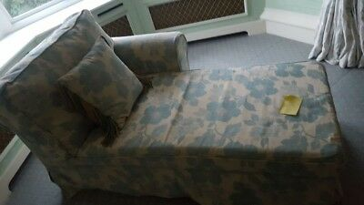Floral chaise lounge, turquoise and comes with pillow
