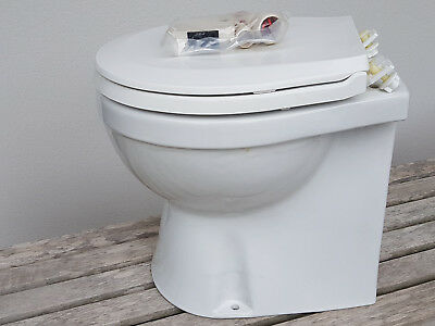 WC électrique -- TMC 99907 -- Electric Marine Toilet Large Skirted Bowl (12V)