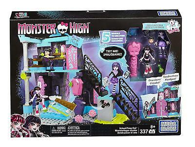 New Official Monster High School Fang Out Doll Set