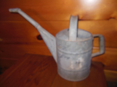 Vintage Galvanized Watering Can / 8 Quart Garden Water Can