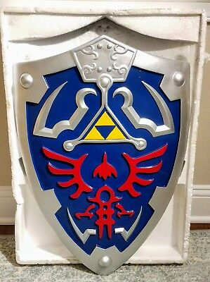 Legend Of Zelda Link Hylian Shield With Grip And Handle Full Size