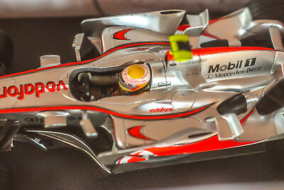 McLaren MP4-22  Lewis Hamilton  1:18  Hot Wheels