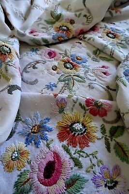 Exquisite Vintage Hand Embroidered Linen Bedspread Tablecloth ~  Stunning Floral