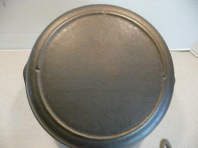 Vintage Lodge 3-Notch #7 cast Iron Skillet Cleaned and Seasoned - pre 1960