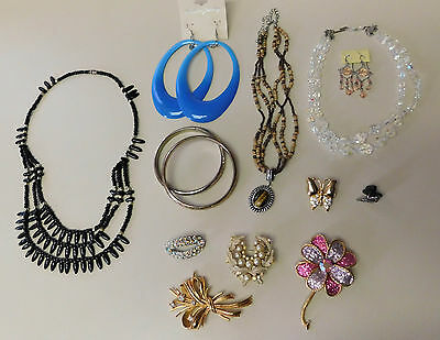 Lot Of Vintage Costume Jewelry Necklace Bracelet Brooches Earrings