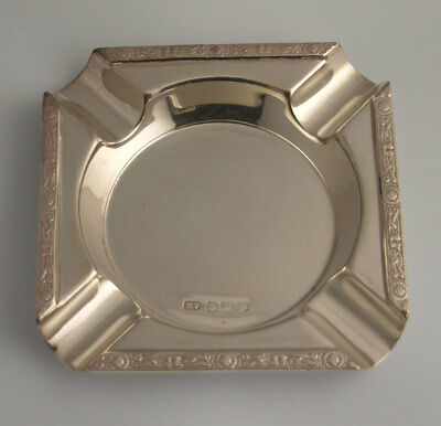 Solid Silver Ashtray With Celtic Knot Work Borders - 91g - Sheff. 1959