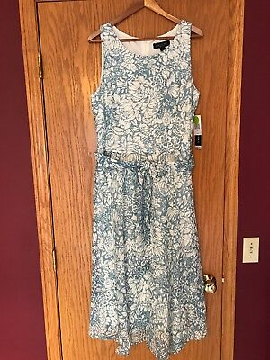 New With Tags Womans Xl Blue/white Floral Print SIZE XL. *FREE SHIPPING!