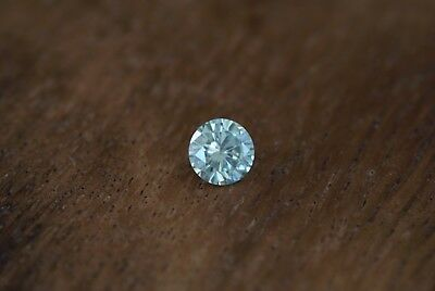 0,45 Ct brilliant geschliffener Moissanit fancy light green VVS2 5,2 mm