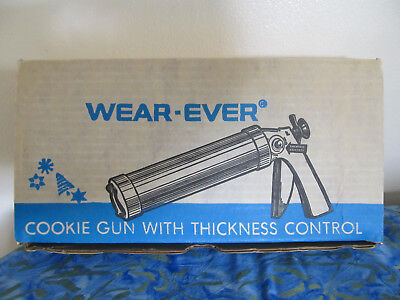 VTG Wear Ever Cookie Gun and Pastry Decorator Spritz Trigger Box-looks NEW