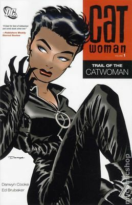 Catwoman TPB (2011- DC) 3rd Series Collections #1-1ST FN Stock Image