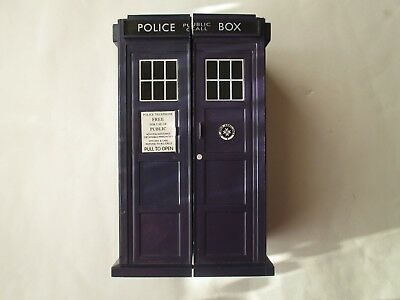 Dr Who Tardis  Card Carrying case and Approx 115 Monster Invasion Cards.