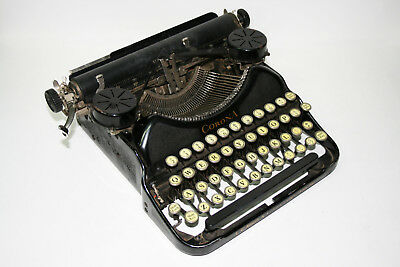 VINTAGE L.C. SMITH & CORONA FOUR PORTABLE TYPEWRITER WITH CASE (c. 1920s)