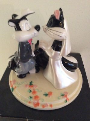 Pepe Le Pew & Penelope Wedding Cake Topper Brand New Warner Brothers Store, 1999