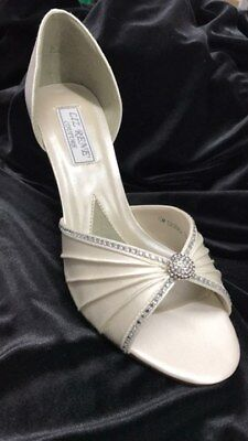 Liz Rene Couture Addison white satin shoe with a 2.75 inch heel size 11