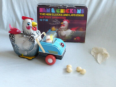 Red China ME 8603 Hen & Chicken Battery Operated Blech Tin Toy 80er Jahre in Box
