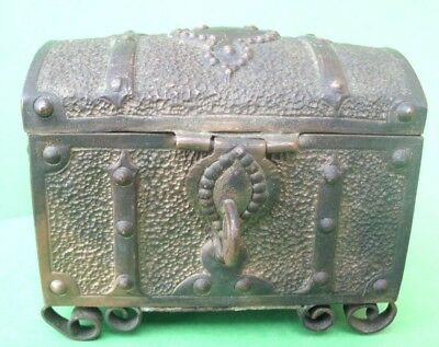 GORGEOUS 17th/18th CENTURY JEWELRY BOX WITH FINE DETAILS