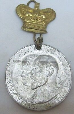 ANTIQUE 1902 KING EDWARD QUEEN ALEXANDRA 35mm CORONATION MEDALLION
