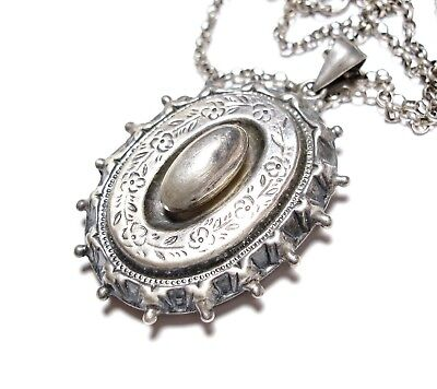 Beautiful Modern Victorian Style Large Silver Locket & Chain Necklace (A3)