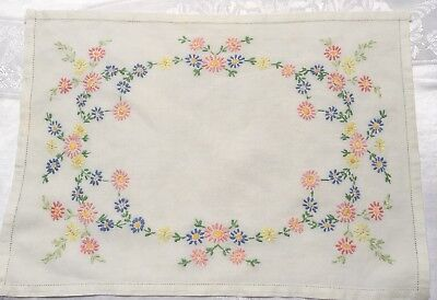 Job Lot Vintage Embroidered  Table Linen x 9