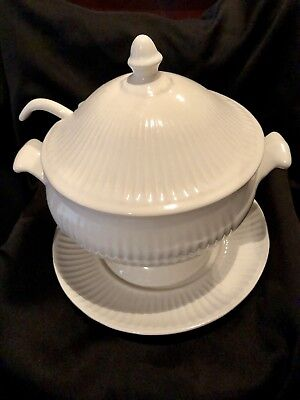 Vintage White Ribbed Ceramic Soup Gravy Tureen And Lid With Underplate And Ladle