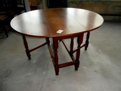 Period Style Oak Gate Leg Table