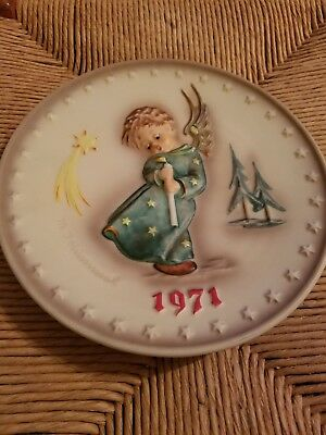 First Edition M.J. Hummel Annual Plate 1971