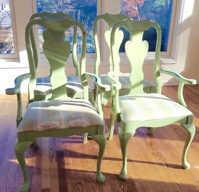 Queen Anne dining chair set of 4, vintage, great shape but need refinishing.