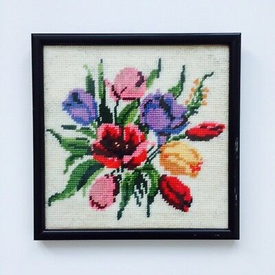 Vintage Pretty Floral Tulip Framed Tapestry   Embroidery   Wall Picture VGC