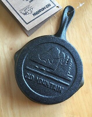 """Old Mountain Cast Iron 4-1/2"""" Skillet Spoon Rest Ash Tray Miniature Durable NWT"""