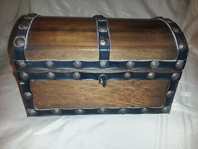 Vintage Rustic Pirate Treasure Chest Wood Wooden Jewelry Box Made In An W Key