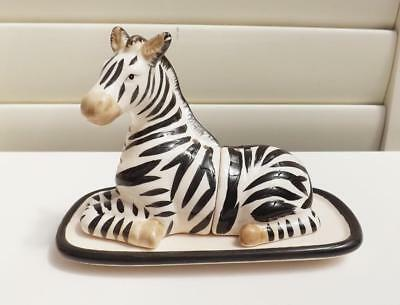 *very Cute** Zebra  Salt And Pepper Shakers ** New **free Post*