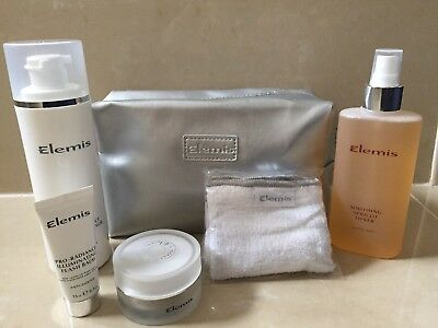 ELEMIS 4 piece SKINCARE GIFT SET WITH BEAUTY BAG & FACE FLANNEL.