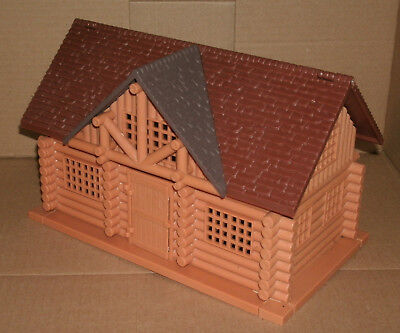 1/32 Scale Log Cabin Plastic Building - Hunting Lodge Shack Diorama Accessory