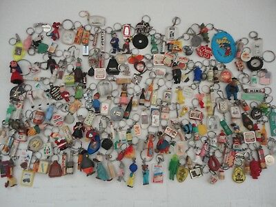 Huge Job  lot   Vintage  Keychains Key rings 1,7 kilograms