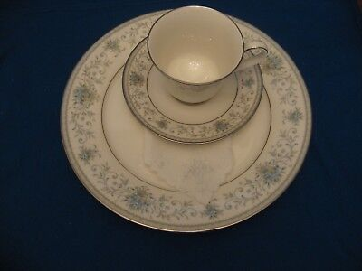 Carico Fine China Tivoli Place setting for 8, Brand New,In Box Never Used!